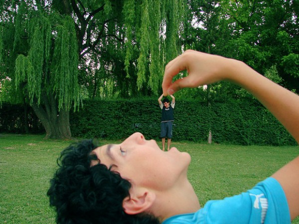 Amazing Forced Perspective Photography in 2013 (27)