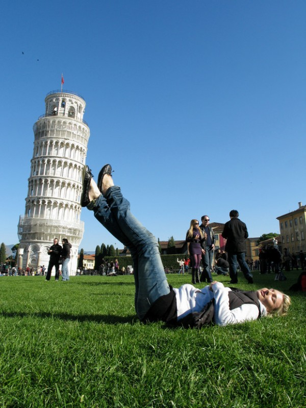 Amazing Forced Perspective Photography in 2013 (28)