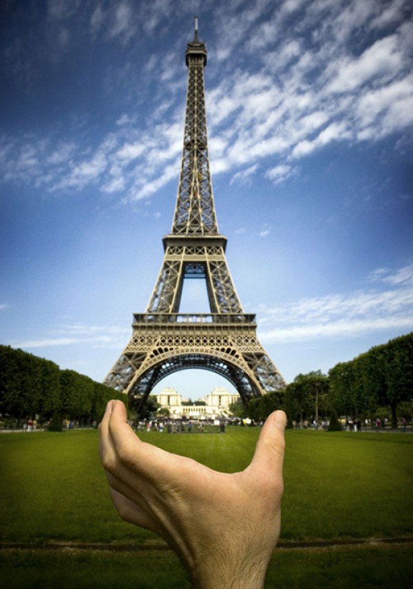 Amazing Forced Perspective Photography in 2013 (34)