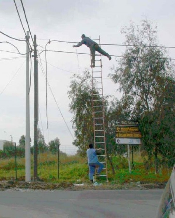 Construction Worker Mega Fails (35)