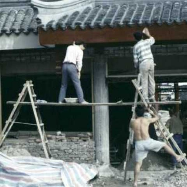 Construction Worker Mega Fails (5)
