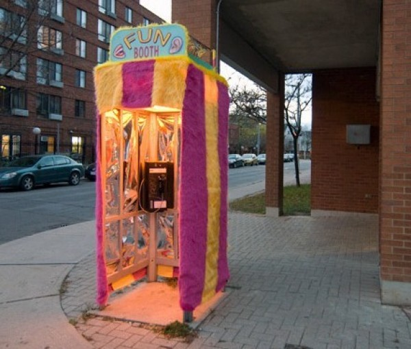 Ten Weirdest Public Phone Booths (1)