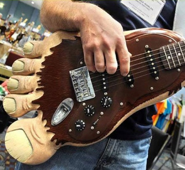 The Most Insane Custom Guitars You'll Ever See (9)