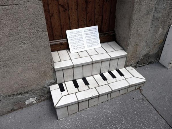 Top 15 Funny and Creative Street Art (2)