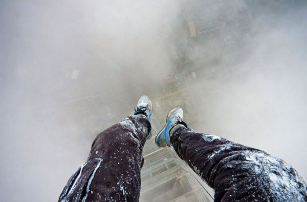 Taking Pictures Without Any Safety Equipment (17)