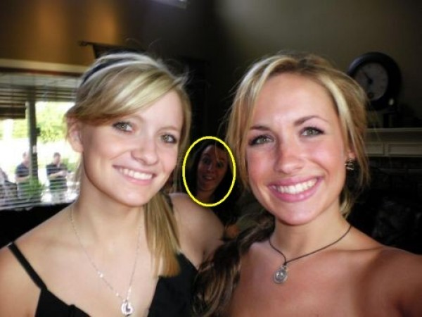 Top 20 Funny Photobombs (8)